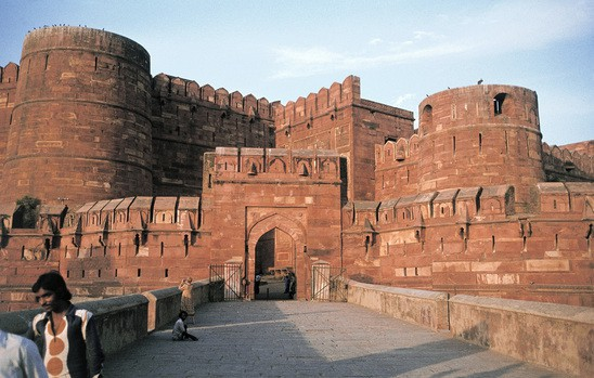 Wide agra fort  agra  indien. hmh